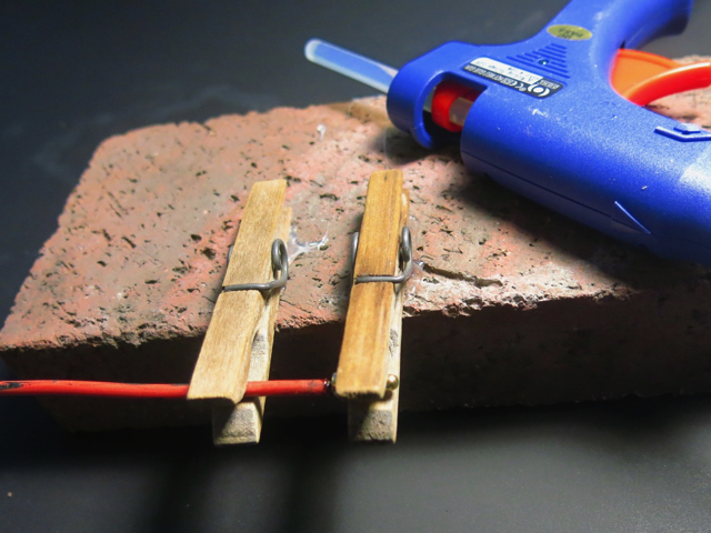 clothespins wire glue gun 640